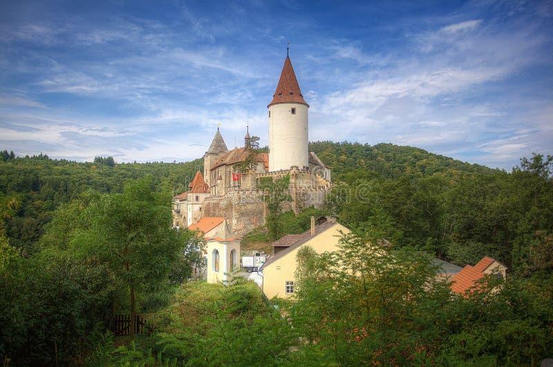 Castello di Krivoklat nella foresta in repubblica Ceca fotografie stock libere da diritti