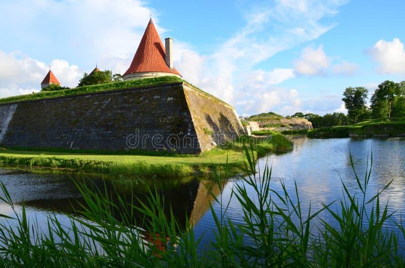 Castello di Kuressaare, Saaremaa, Estonia fotografia stock libera da diritti