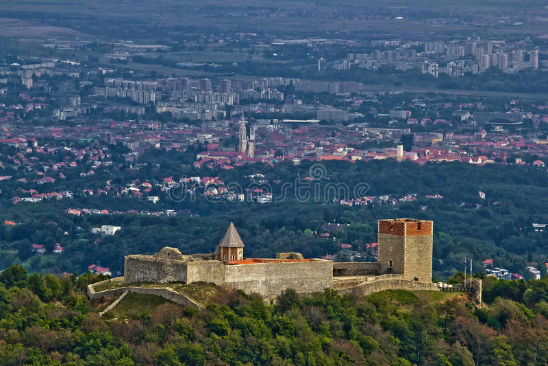 Castello di Medvedgrad & Zagabria capitale croata fotografia stock
