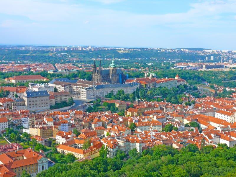 Castello di Praga con la st Vitus della cattedrale, la cattedrale della st e di Wenceslas Adalbert, Praga, repubblica Ceca immagine stock libera da diritti