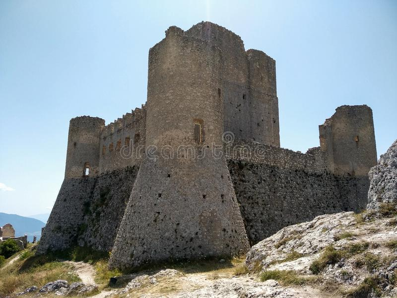 Castello di Rocca Calascio Abruzzo, Italien arkivfoto