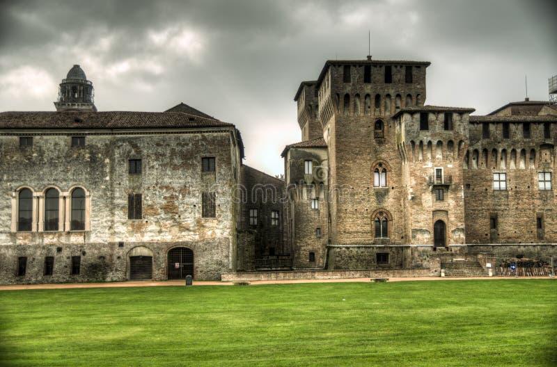 Castello di San Giorgio (hertiglig slott) i Mantua, Italien arkivbilder