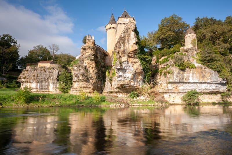 Castello di Sergeac e del fiume fotografie stock libere da diritti