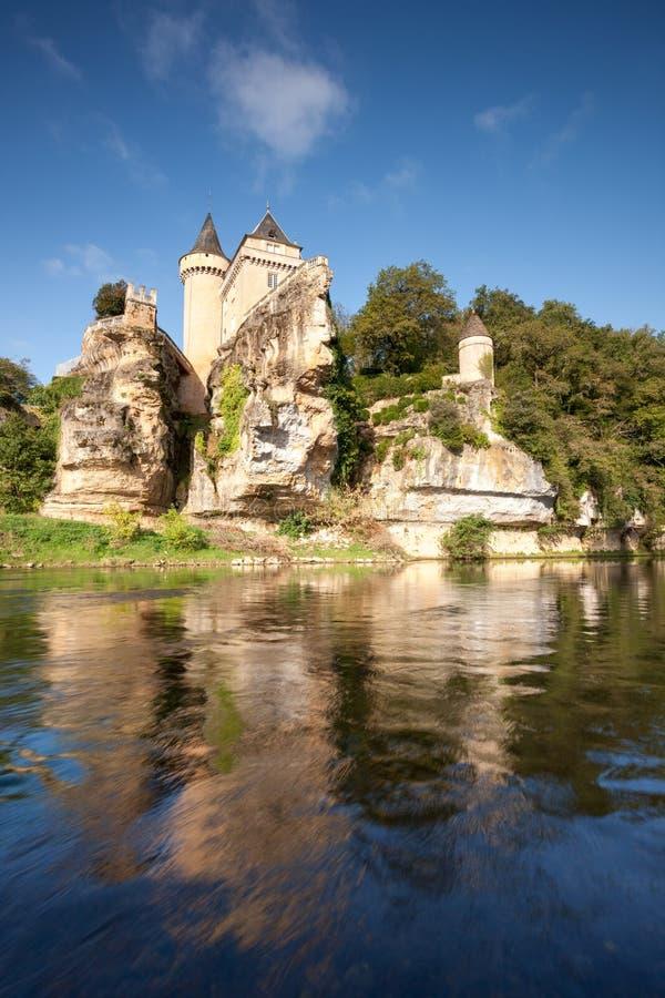 Castello di Sergeac e del fiume fotografia stock libera da diritti