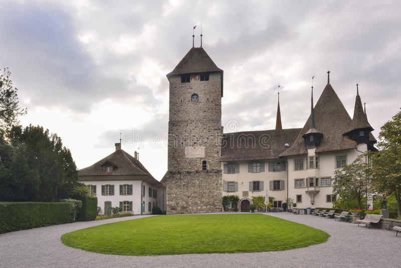 Castello di Spiez, cantone di Berna, Svizzera immagine stock
