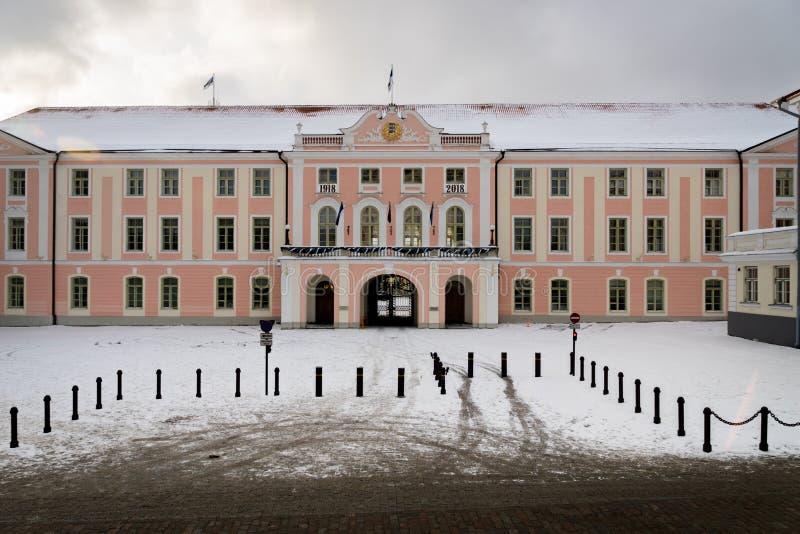 Castello di Toompea nella vecchia città nell'inverno, Tallinn, Estonia immagine stock