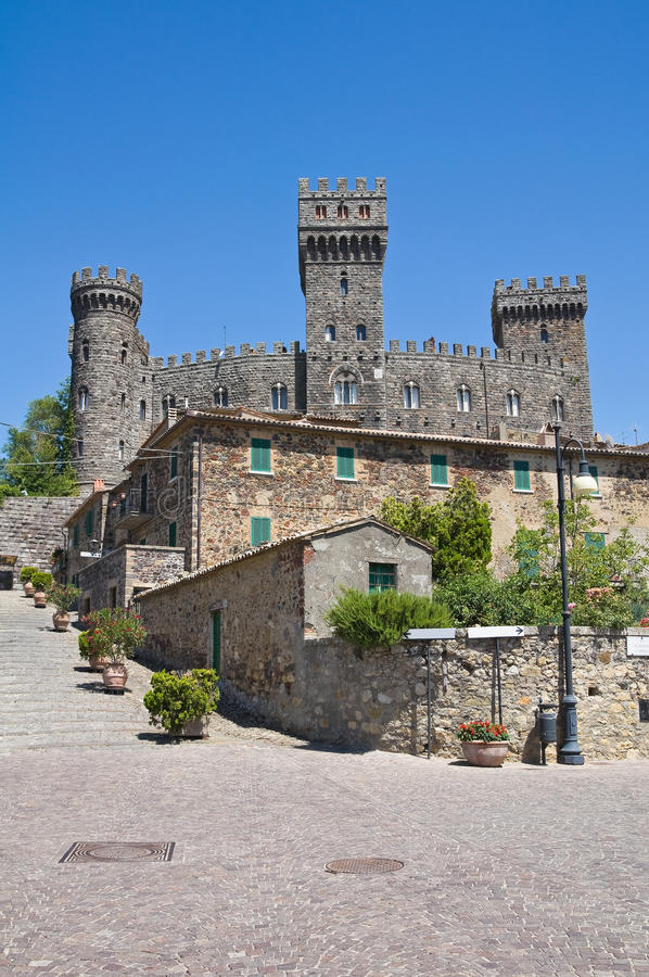 Castello di Torre Alfina. Il Lazio. L'Italia. fotografia stock libera da diritti