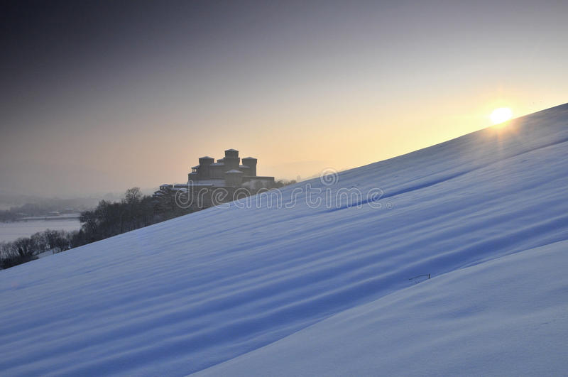 Castello di Torrechiara sull'inverno #2 fotografie stock
