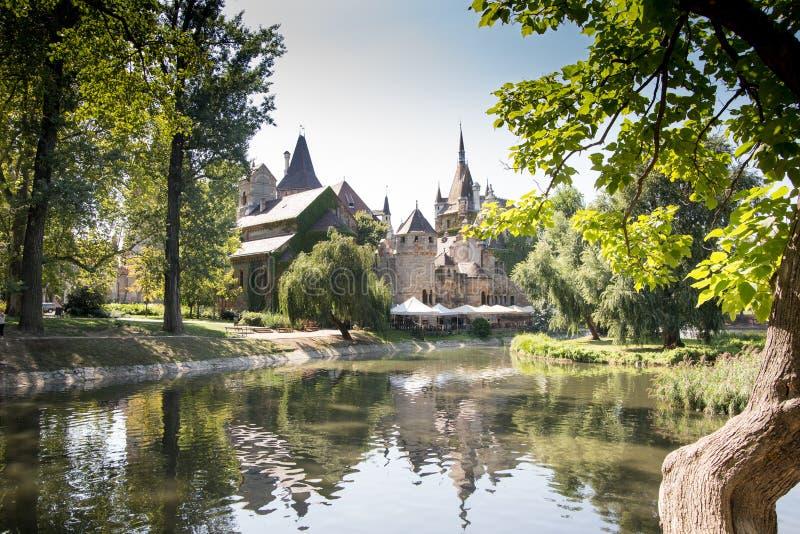 Castello di Vajdahunyad a Budapest, Ungheria fotografia stock libera da diritti