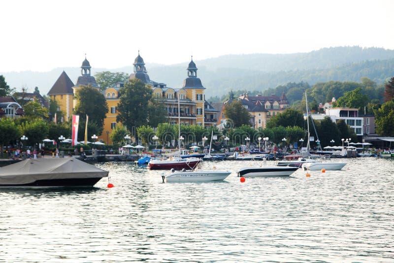 Velden (Austria) fotografia stock. Immagine di lago ...