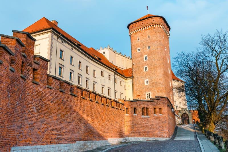 Castello di Wawel a Cracovia, una del punto di riferimento più famoso in Polonia immagine stock