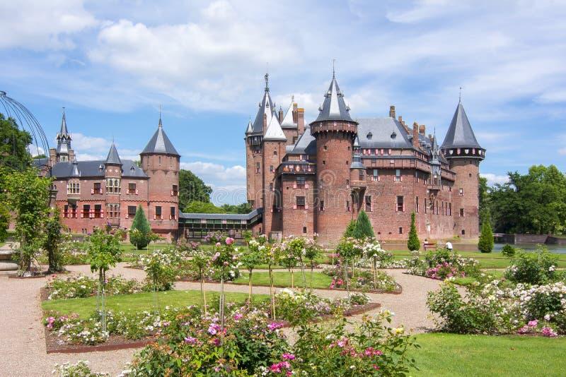 Castello e giardino di De Haar vicino ad Utrecht, Paesi Bassi immagine stock libera da diritti