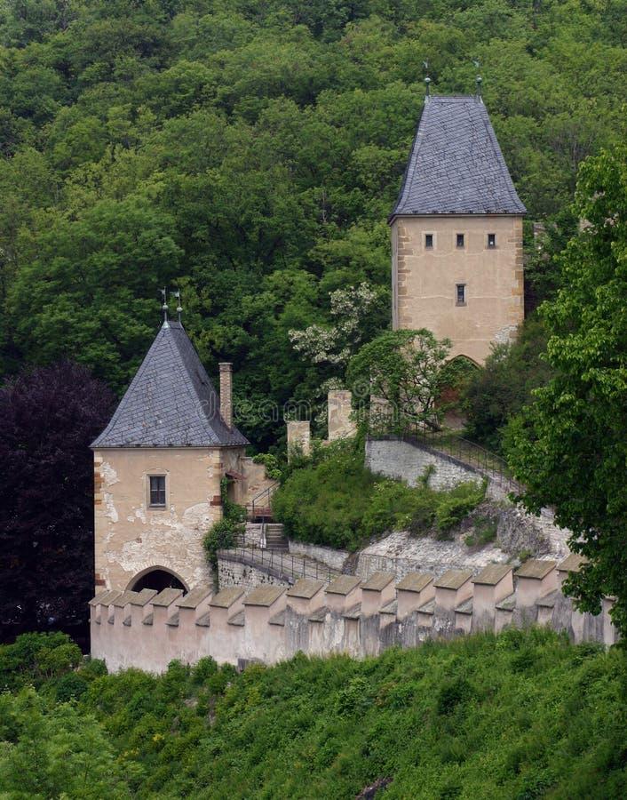 Castello europeo del pendio di collina, primavera 2006 fotografia stock