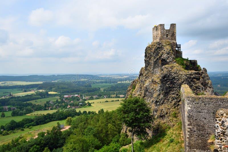 Castello iconico di Trosky nel paradiso della Boemia immagine stock libera da diritti