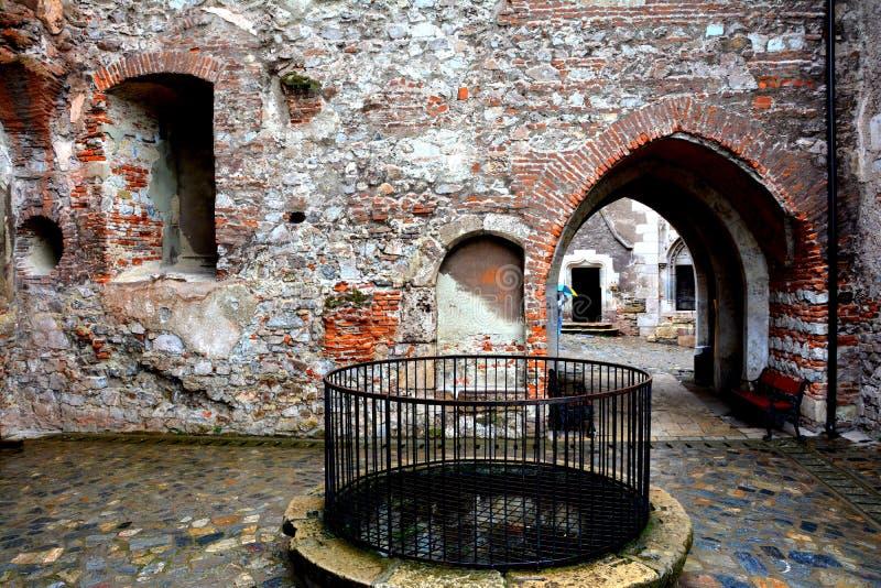 Castello interno di Hunedoara, chiamato castello di Corvin in Transilvania immagine stock libera da diritti