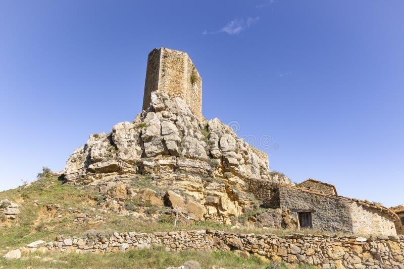 Castello medievale nel villaggio di Puertomingalvo immagini stock