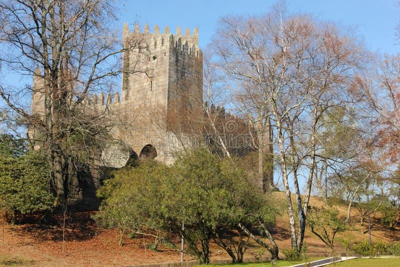 Castello medioevale Guimaraes portugal immagini stock libere da diritti