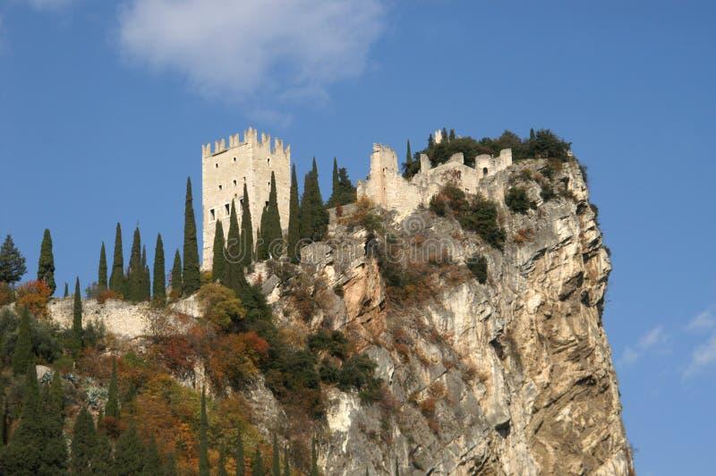 Castello nel lago Garda immagine stock
