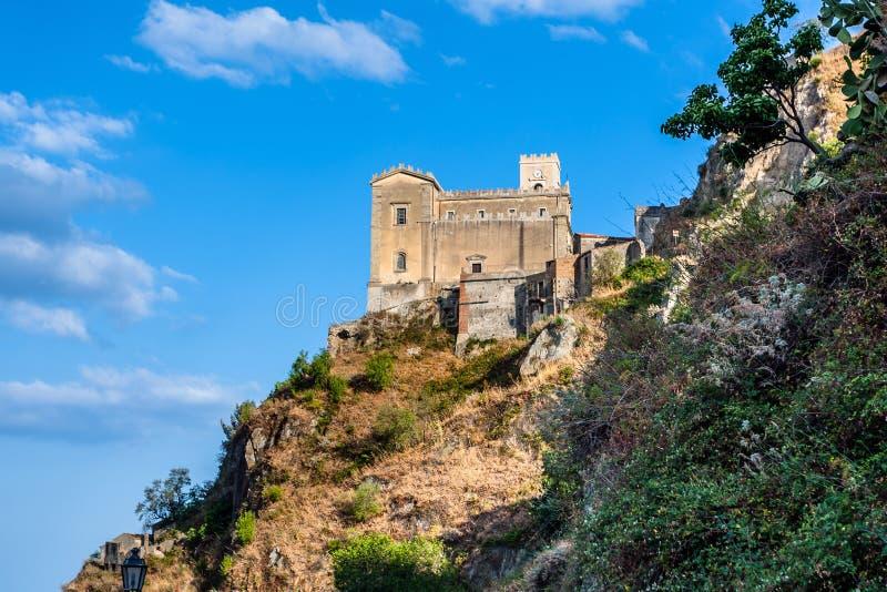 Castello Normanno in d'Agro di Forza sicily fotografia stock