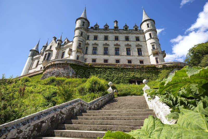 Castello, palazzo e parco di Dunrobin a Sutherland, nella regione dell'altopiano della Scozia, la Gran Bretagna immagine stock libera da diritti