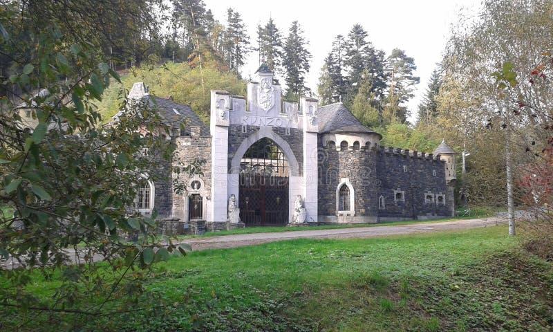 Castello romantico (castello) Kunzov, regione di Olomouc, repubblica Ceca immagini stock