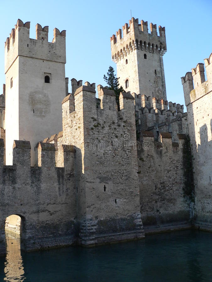 Castello Scaligero, Sirmione (意大利) 免版税图库摄影