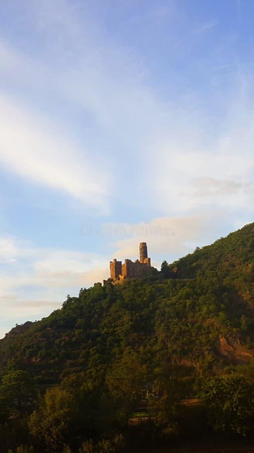 Castello sulla collina immagine stock libera da diritti
