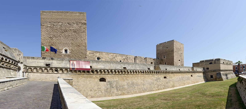 Castello Svevo en Bari imagenes de archivo