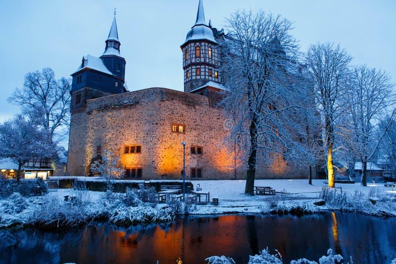 Castello tedesco di favola nel paesaggio di inverno Castello Romrod in Assia, Germania fotografia stock