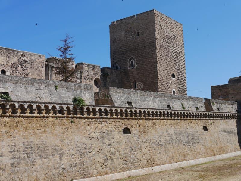 Castelloen Svevo, Bari, Apulia region i sydliga Italien arkivfoton