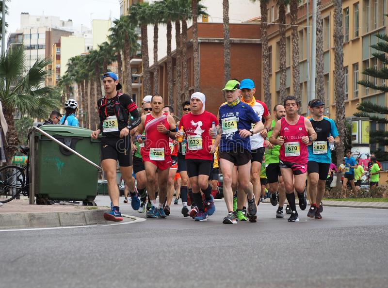 Castellon, Hiszpania Luty 24th, 2019 biegacze podczas maraton rasy fotografia stock
