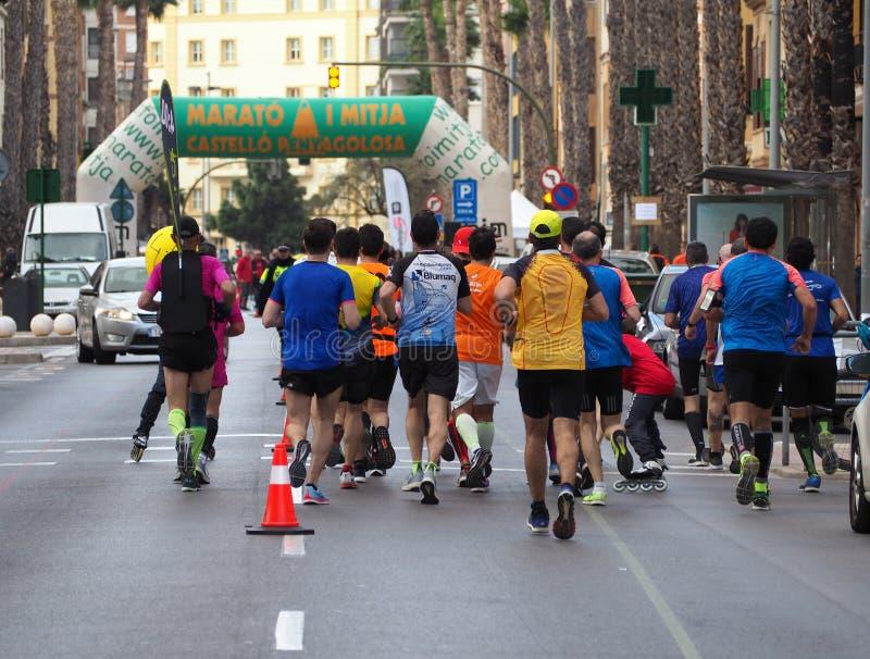 Castellon, Hiszpania Luty 24th, 2019 biegacze podczas maraton rasy zdjęcie stock