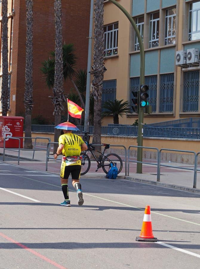 Castellon, Hiszpania Luty 24th, 2019 biegacze podczas maraton rasy obraz royalty free
