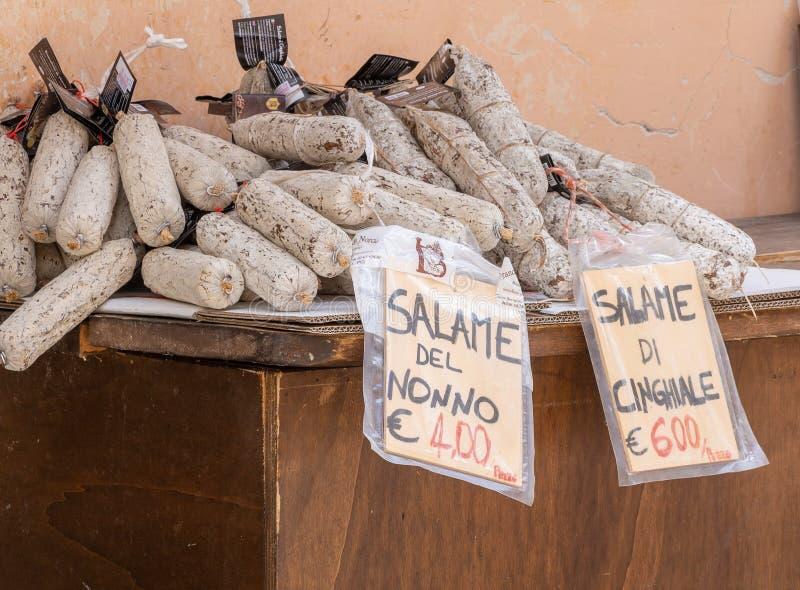 CASTELLUCCIO DI NORCIA, ИТАЛИЯ – 14-ОЕ ИЮЛЯ 2019: Местная продукция продолжается поддержать экономику и привлечь туристов стоковые изображения