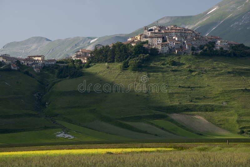 Castelluccio di Norcia, Umbría, Italia imagenes de archivo