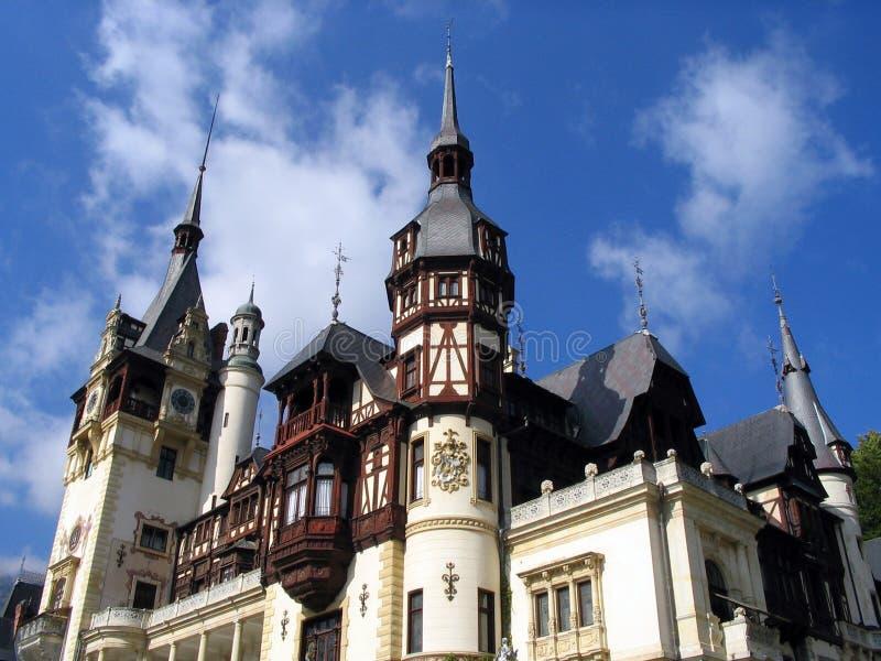 Download Castelo imagem de stock. Imagem de romania, nuvem, arquitetura - 103533