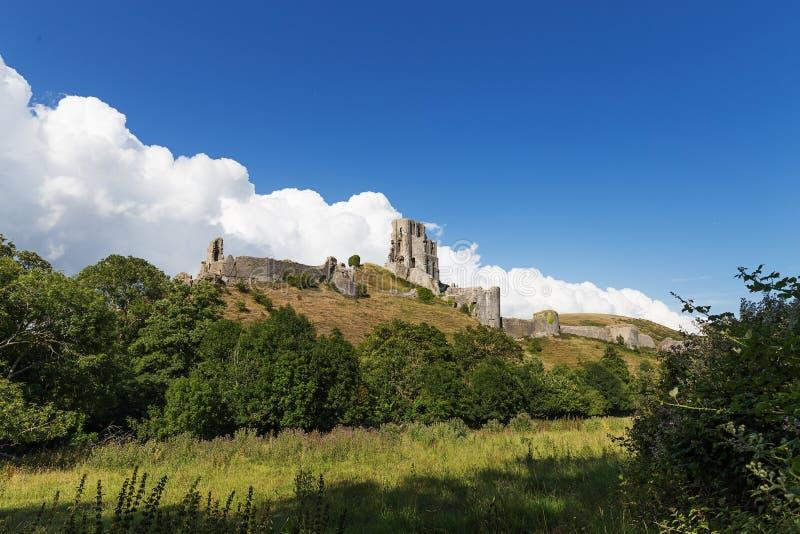 Castelo antigo de Corfe, Dorset, Reino Unido imagens de stock royalty free