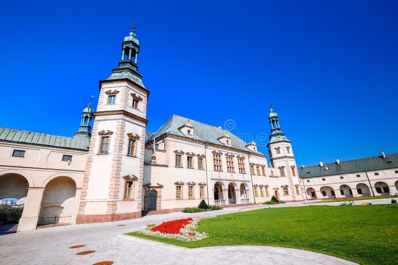 Castelo barroco/palácio em Kielce/poland fotos de stock