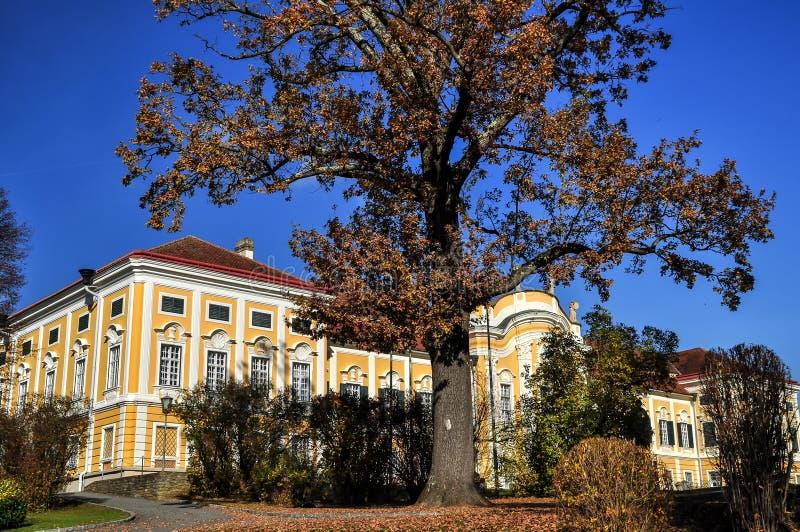Castelo barroco Schielleiten, Styria, ?ustria fotografia de stock