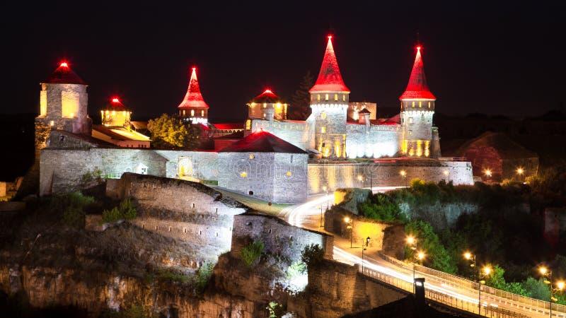 Castelo bonito em um monte da montanha Kamenetz-Podolsk, um do th foto de stock royalty free