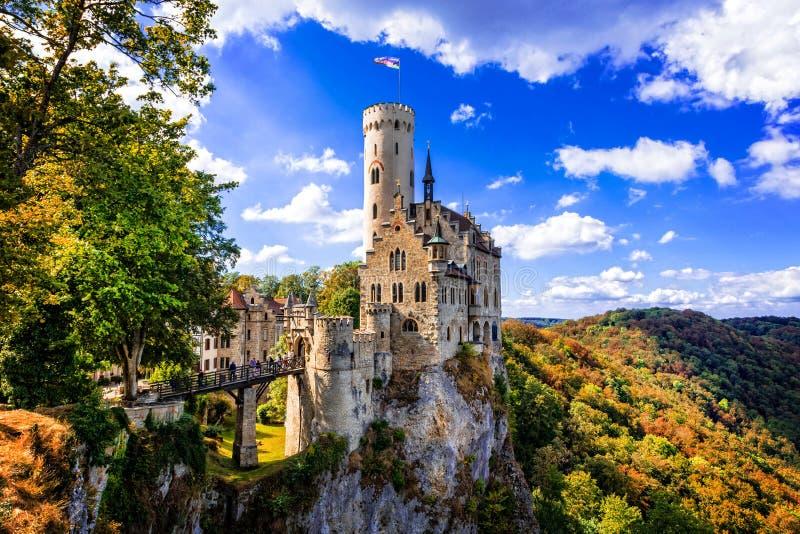 Castelo bonito castelo velho de Alemanha, Lichtenstein imagens de stock