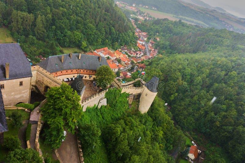 Castelo checo Karlstejn em Praga fotografia de stock