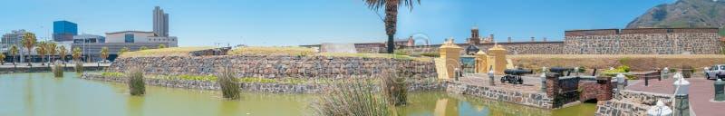 Castelo da boa esperança e parte do distrito financeiro central fotografia de stock royalty free