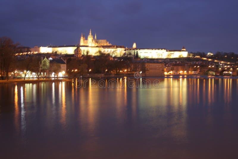 Download Castelo da noite imagem de stock. Imagem de castelo, praga - 106749