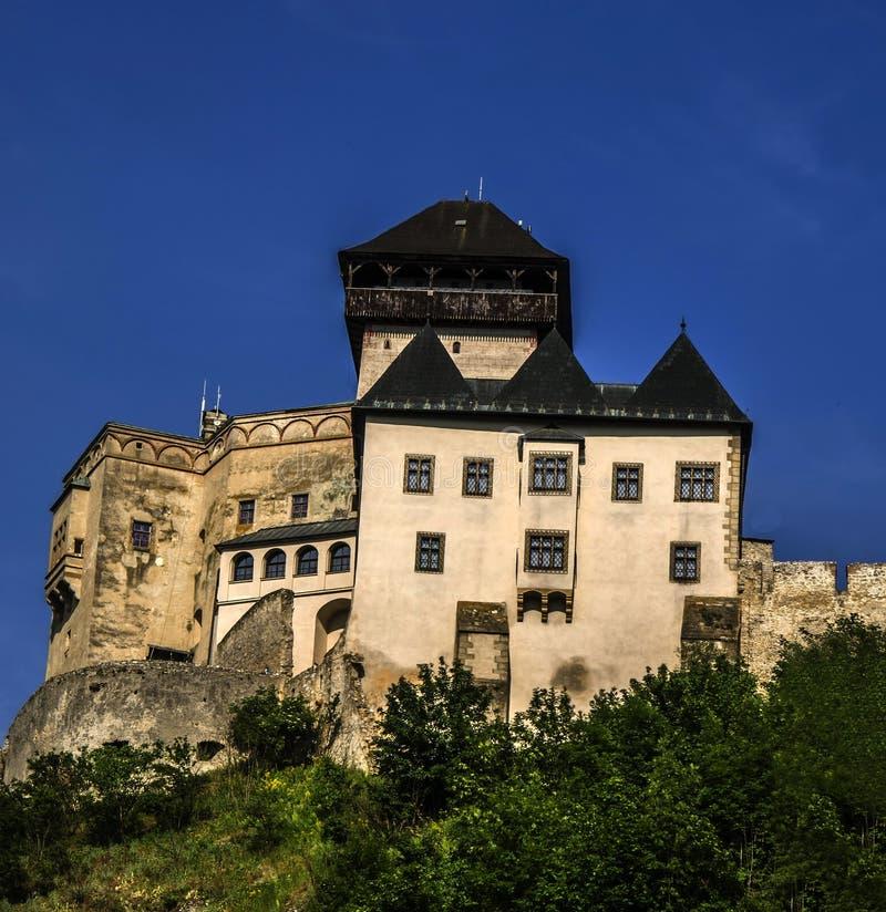 Castelo de Ãn do  de TrenÄ foto de stock