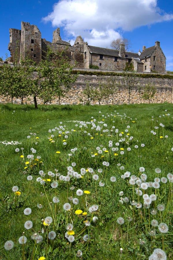 Castelo de Aberdour e jardins, Fife imagens de stock