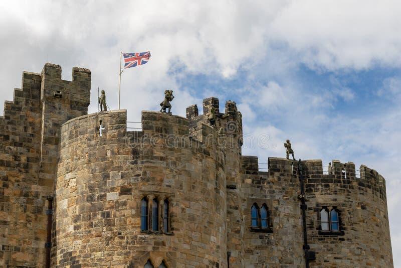 Castelo de Alnwick - o assento do duque de Northumberland imagem de stock