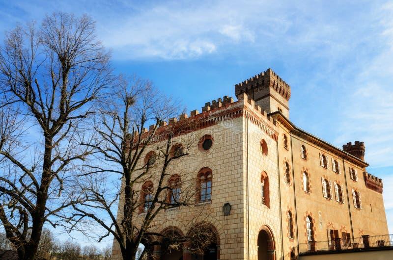 Castelo de Barolo piedmont, Itália imagens de stock royalty free