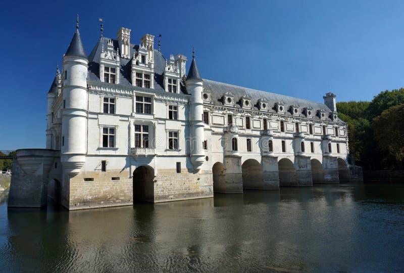 Castelo de Chenonceau no rio de Cher imagens de stock royalty free
