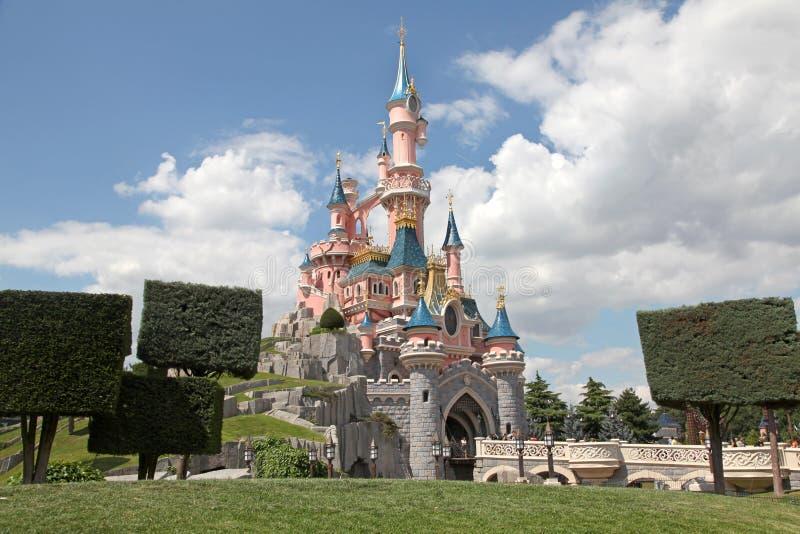 Castelo de Disneylâandia Paris fotos de stock royalty free